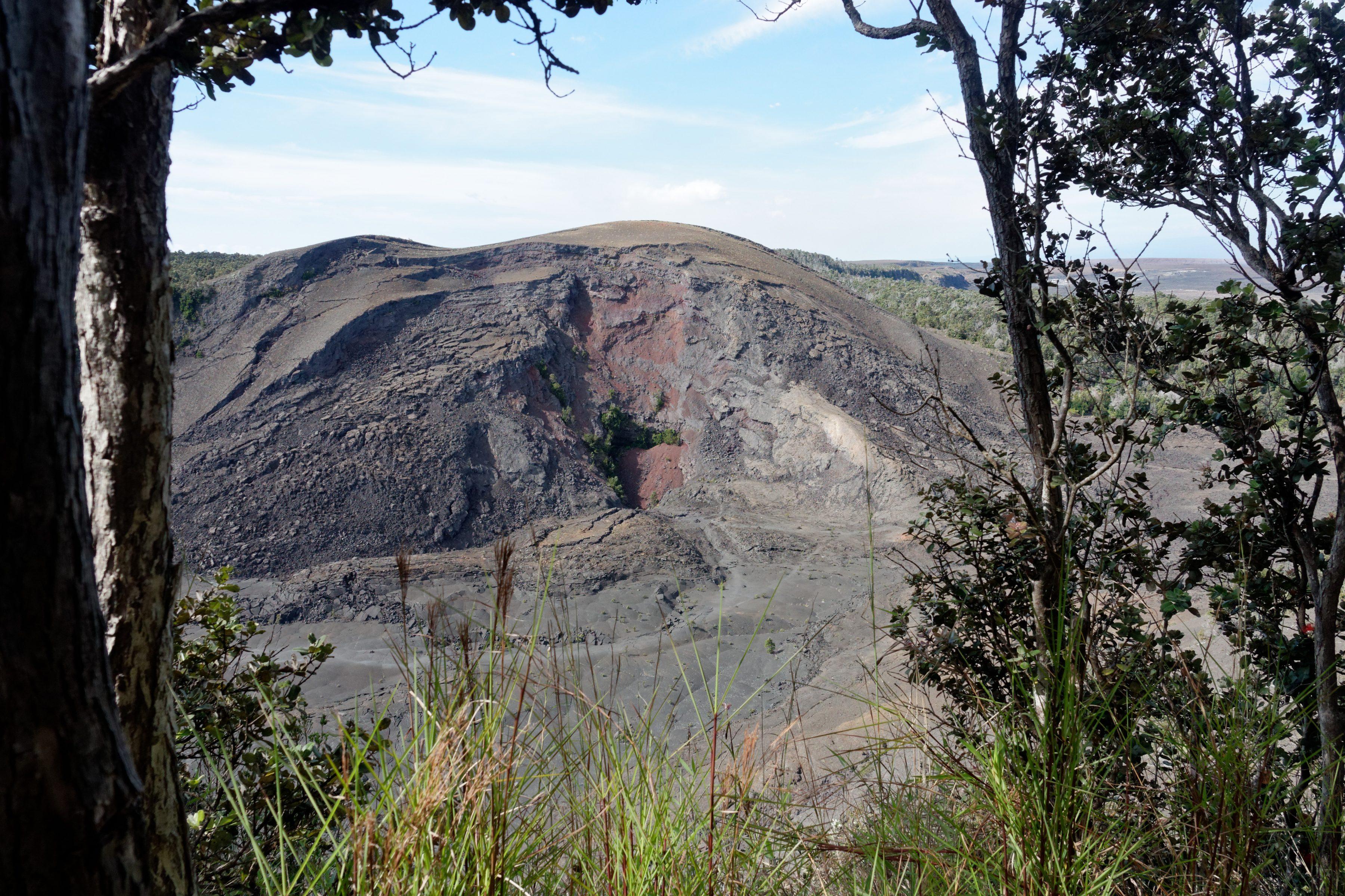 Le cône de scories de l'éruption de 1959 du Kilauea Iki