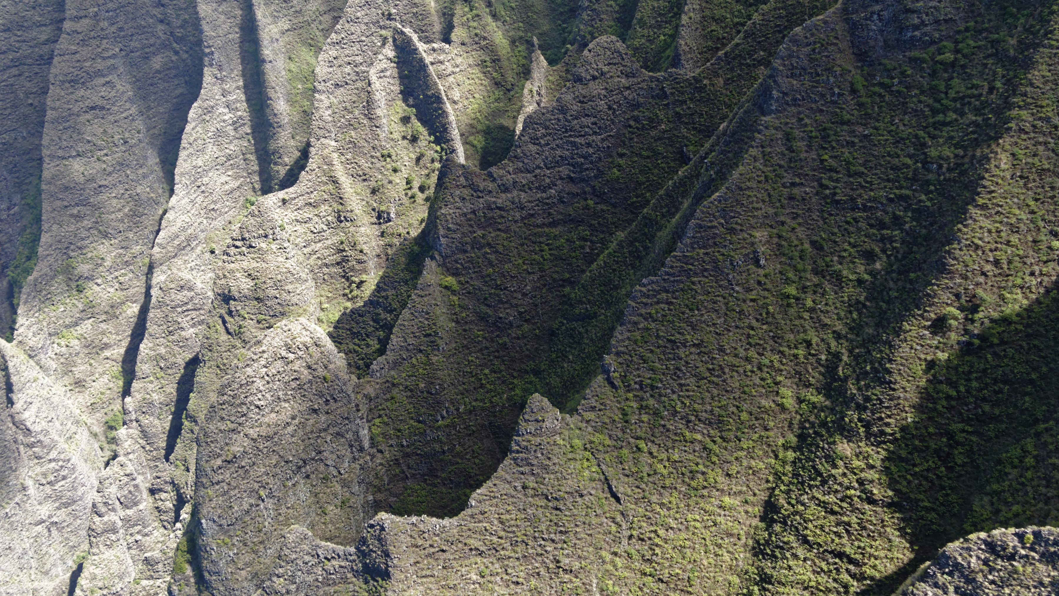 Les arrêtes vives des abords de la Na Pali coast