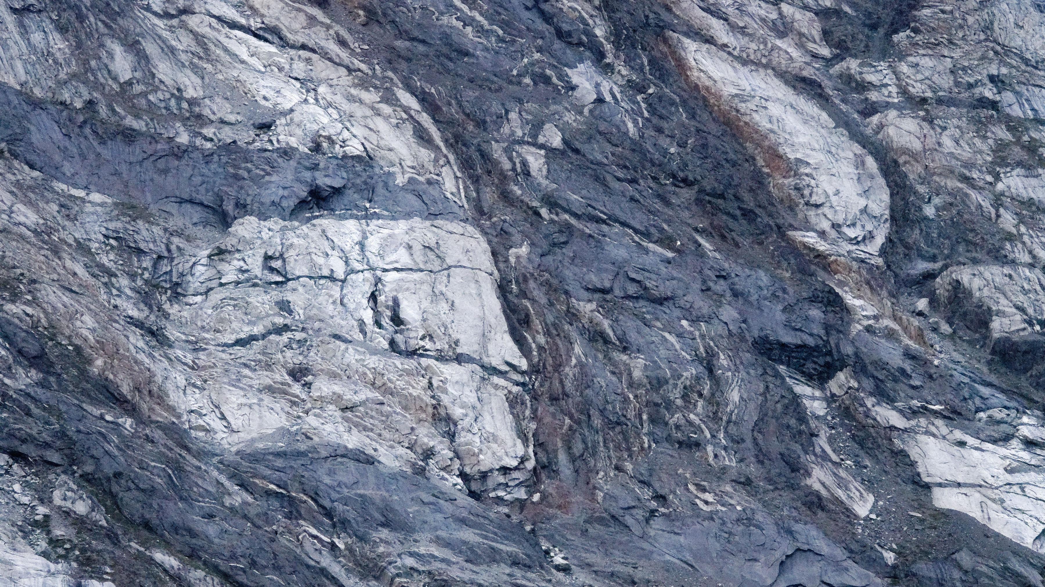 Gros plan sur les bords du fjord de Kangerlussuaq